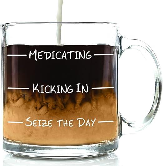 Amazon.com: Taza de café de cristal divertido con medicación ...