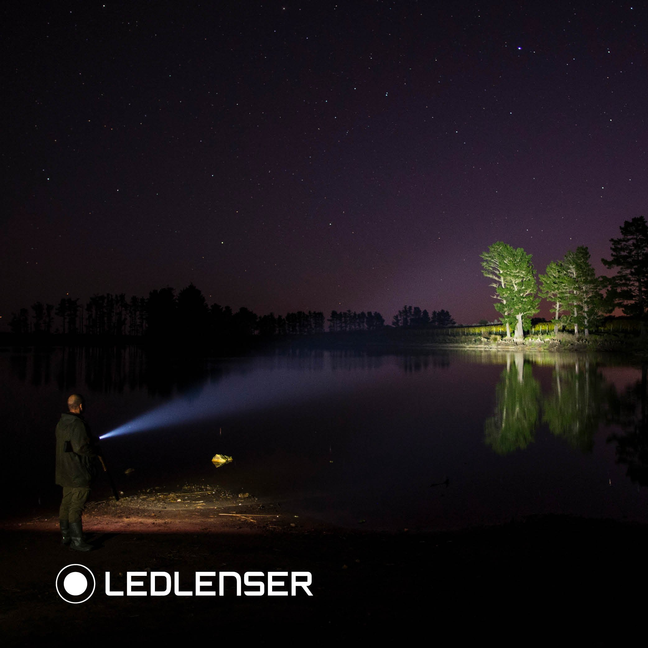 Led Lenser - 3000 Lumens, MT18 Flashlight with Rapid Focus System by LED Lenser (Image #9)