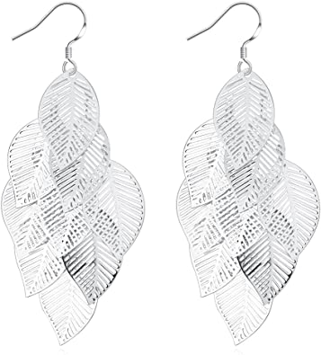 Mom Birthday Lover and Friends Womans Gift Idea for Anniversary Simple Chic Accessory Leaf Earrings Great for Sister