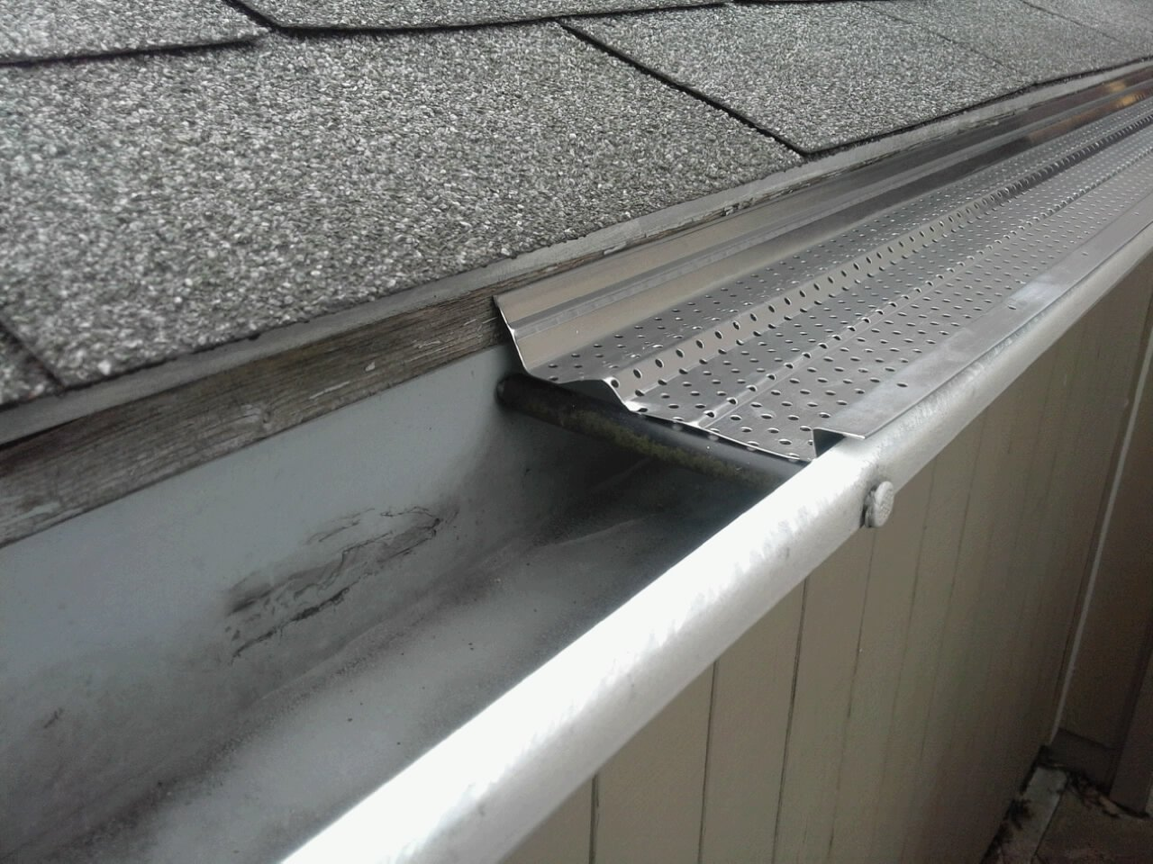 A-M Aluminum Gutter Guard 6'' - 50 feet by A-M Gutter Guard (Image #3)
