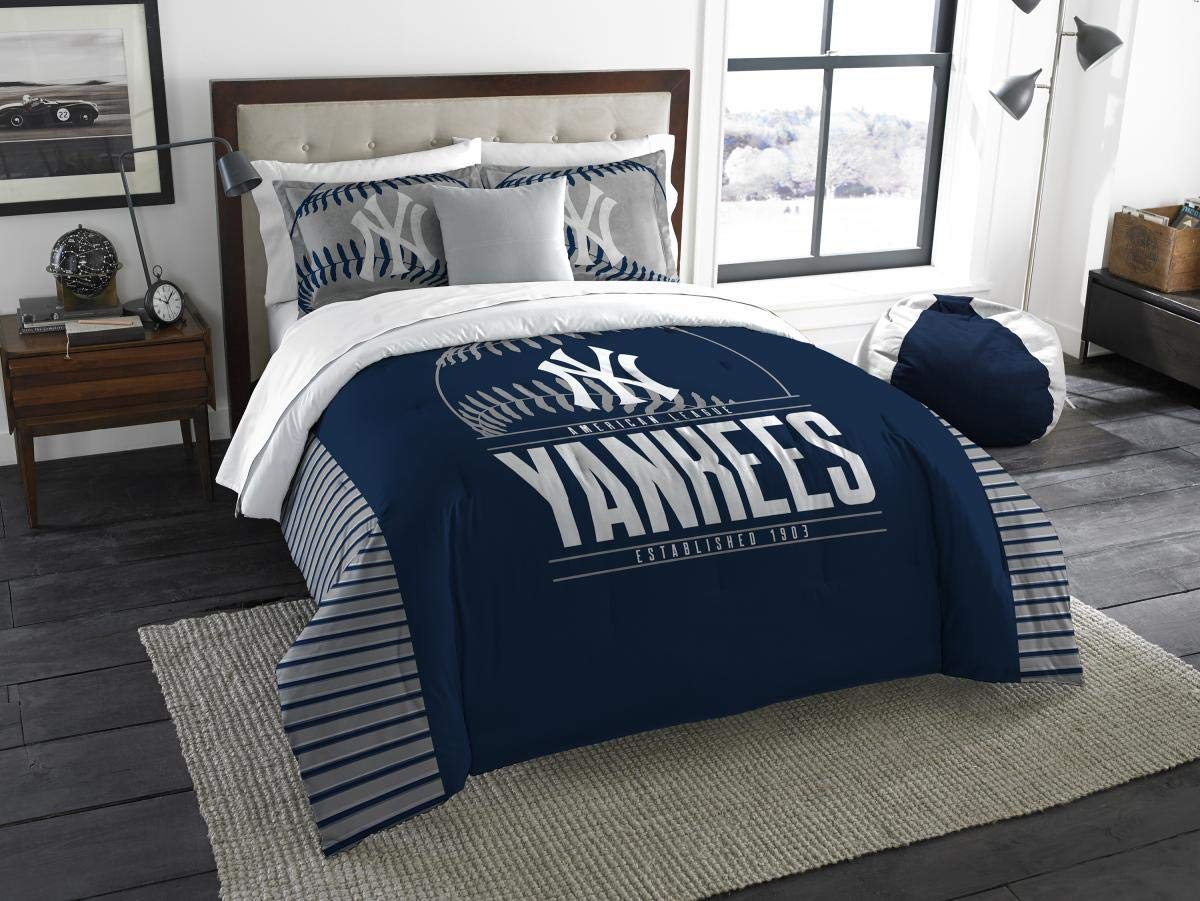 Northwest MLB New York Yankees Comforter Set with 2 Shams, One Size, Multicolor