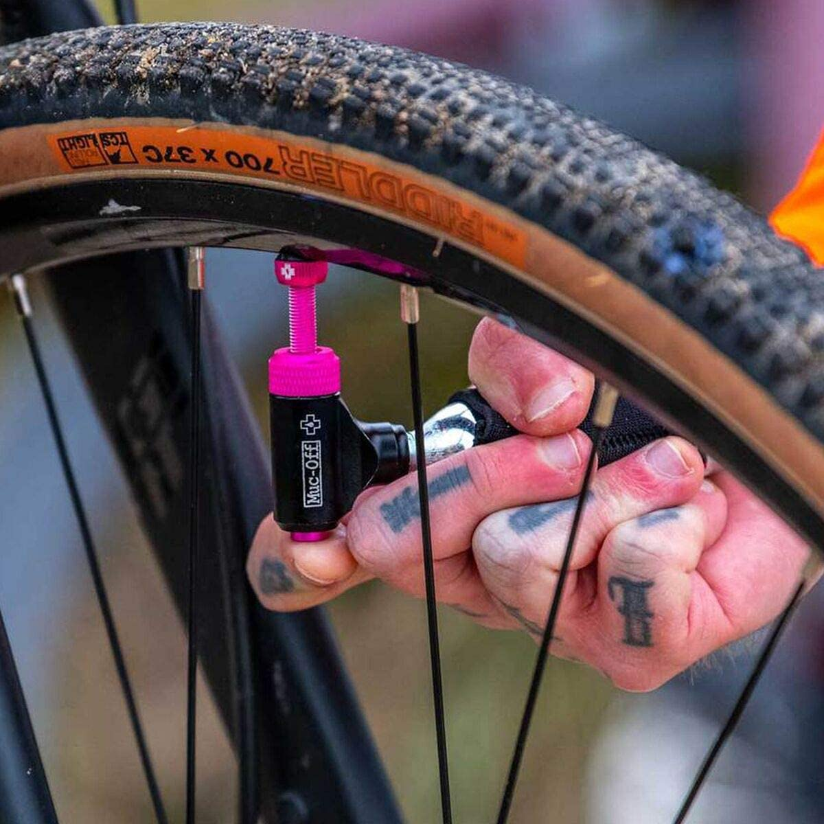 Muc-Off Tubless Tyre Repair Kit with inflator