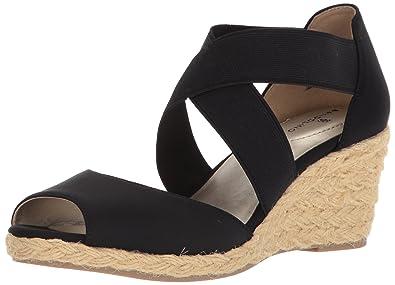 410d719d8 Amazon.com  Bandolino Women s Hullen Sandal  Shoes