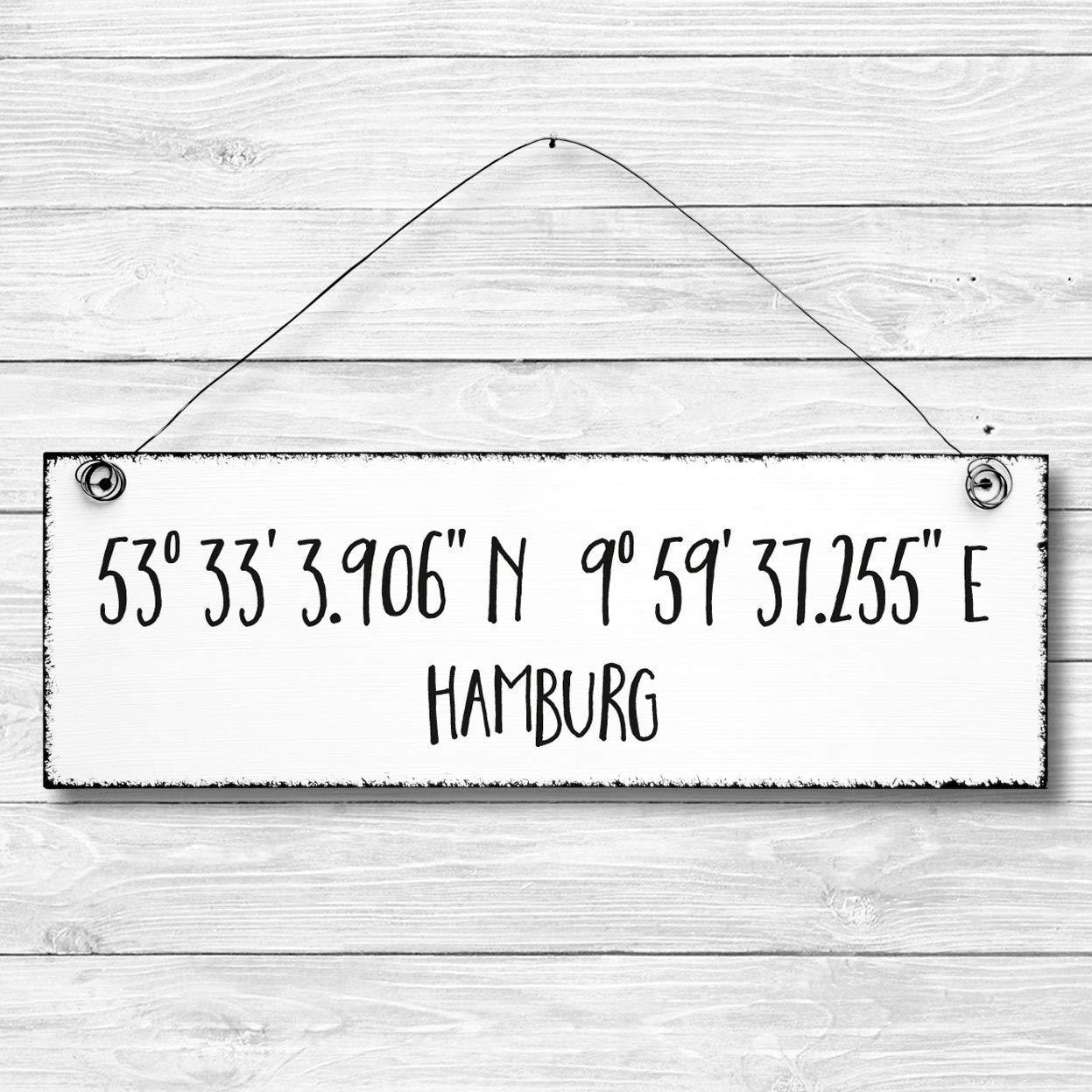 Shabby Holz Deko Wand Tür Schild BERLIN Koordinaten Dekoschild Wandschild