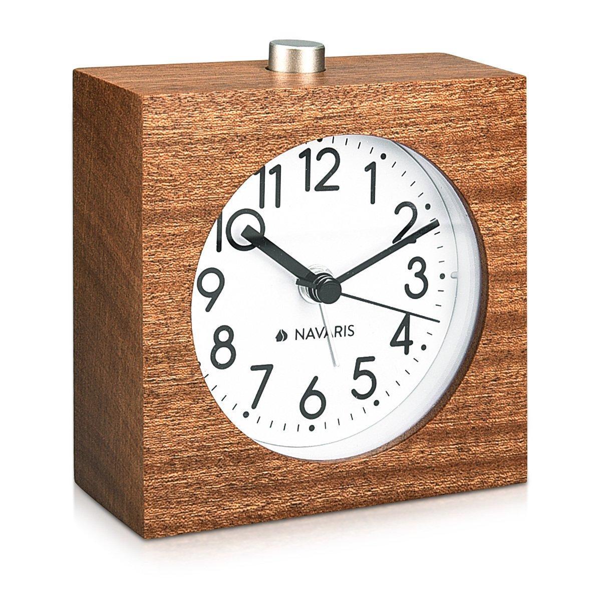 Reloj vintage de madera antiguohttps://amzn.to/2SNxFwx