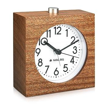 Navaris Reloj analógico de Madera con función Snooze - Despertador Retro en Forma de Cuadrado con luz y Alarma - Reloj silencioso en marrón Oscuro: ...