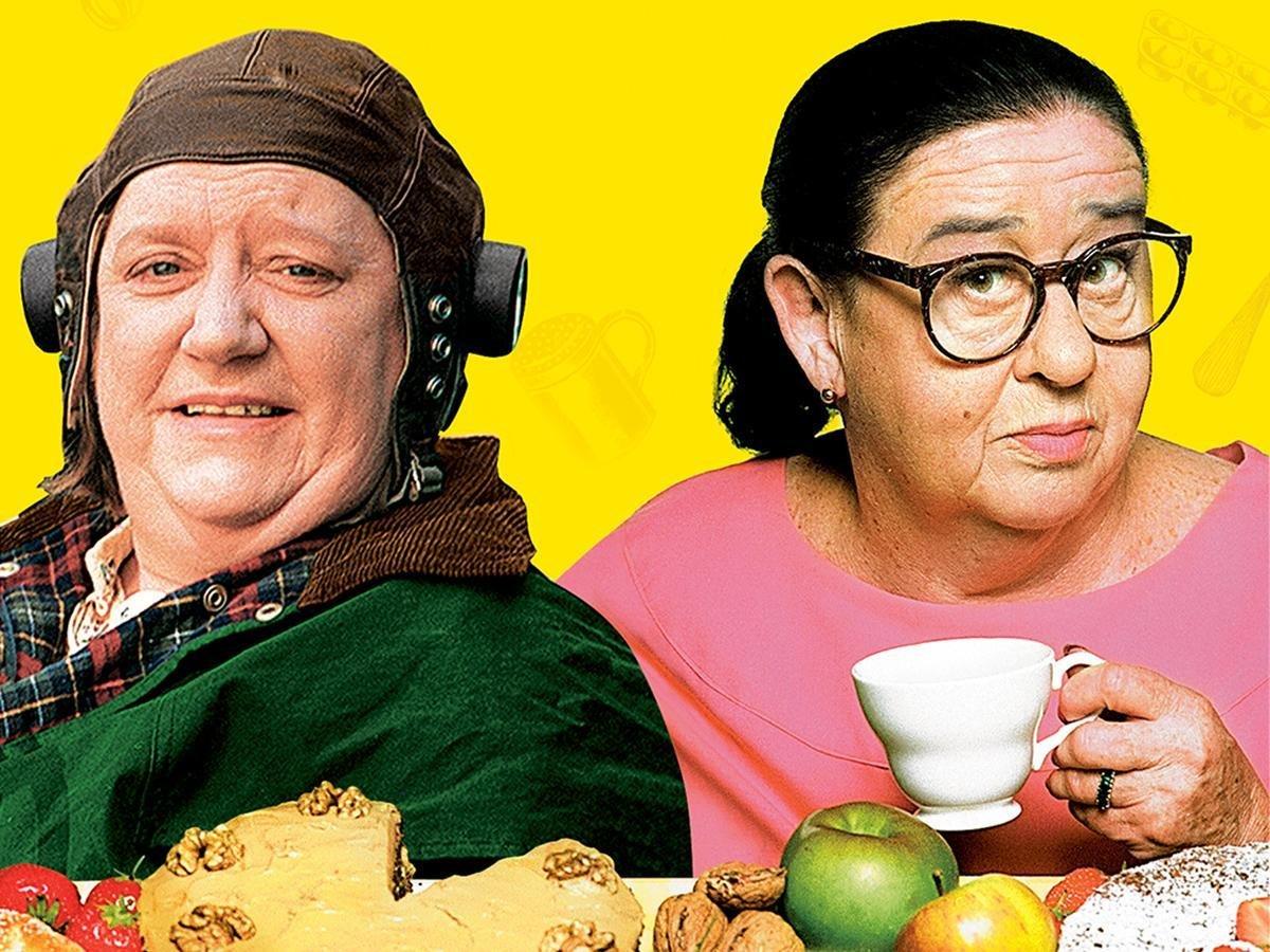 Amazon: Two Fat Ladies Season 1: Clarissa Dicksonwright, Jennifer  Paterson, Patricia Llewellyn, Peter Gillbe