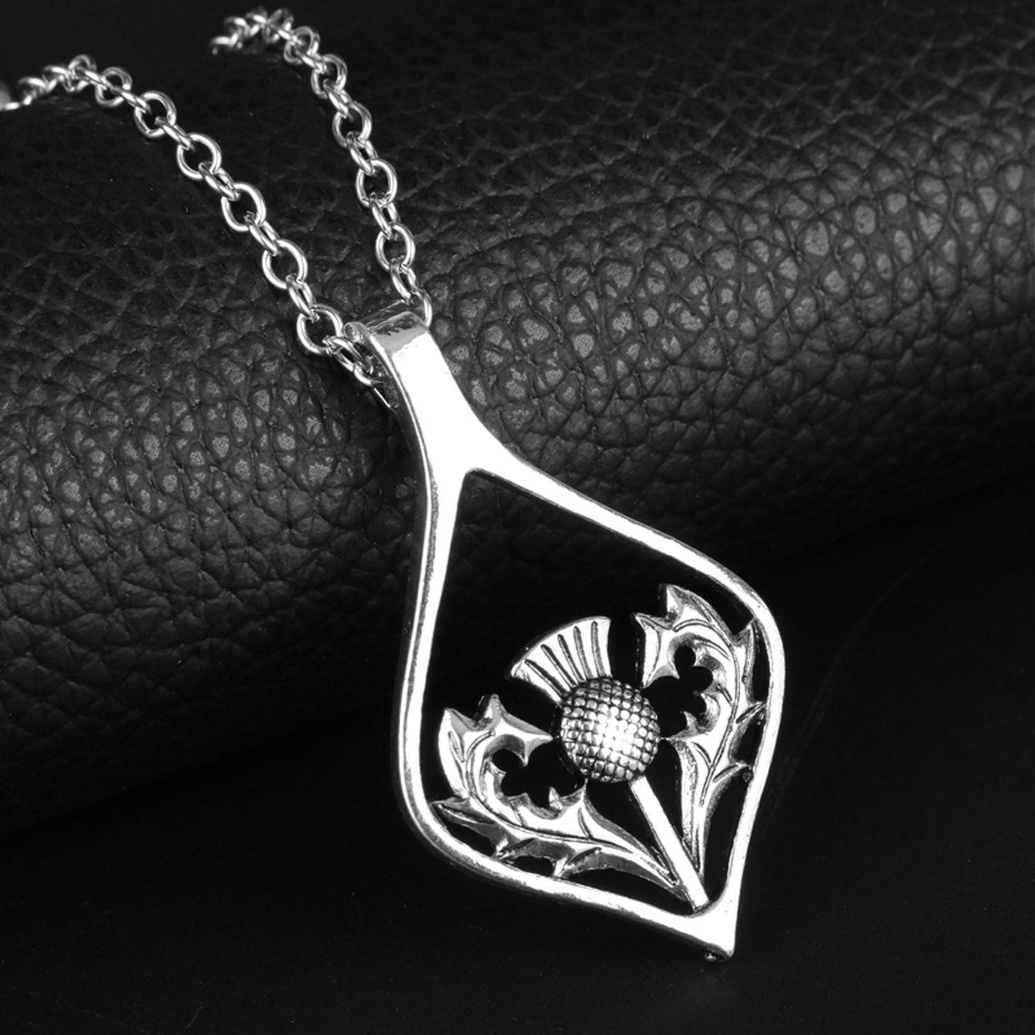 Vintage Silver Color Oval Pendant Emblem Necklace National Symbol of Jewelry for Men Women Gifts
