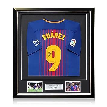 exclusivememorabilia.com Camiseta de Fútbol Barcelona 2017-18 firmada por Luis Suárez. En