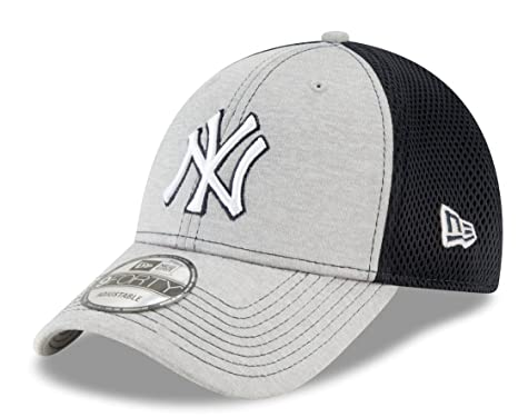 923fa6fa2 Amazon.com : New Era New York Yankees 9Forty MLB Shadow Turn 2 ...