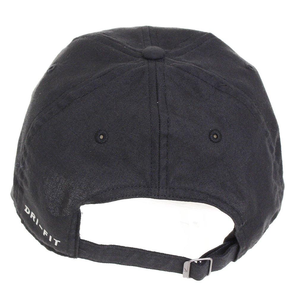e603d45794e Nike Dri-FIT Train Twill Cap (Black and White)  Amazon.in  Clothing    Accessories