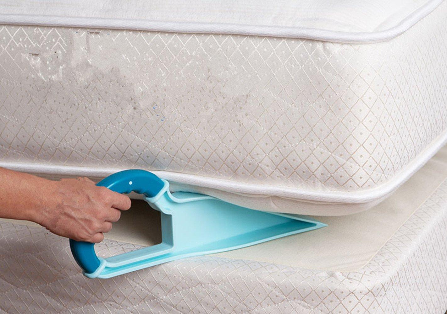 sollevatore per materasso Clever Bear valido aiuto per rifare il letto e cambiare le lenzuola