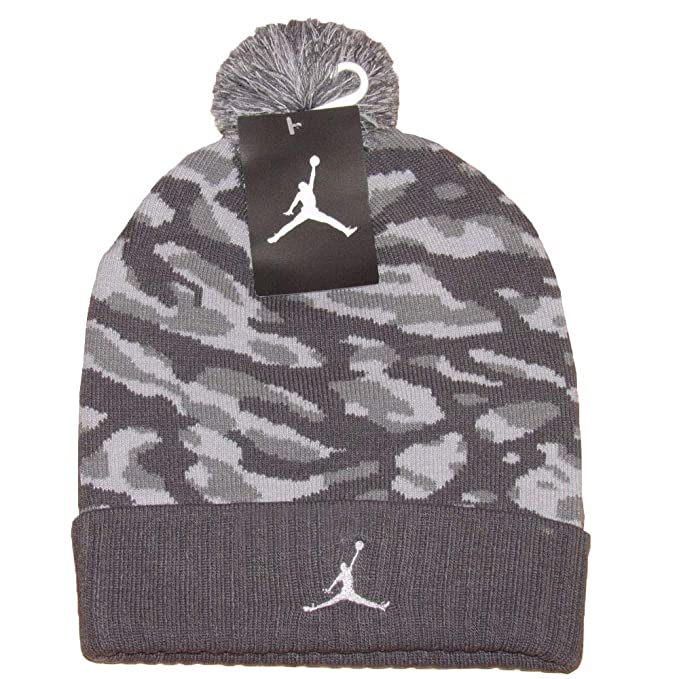 24d52d98f97 Amazon.com  Jordan Camo Pom Beanie Hat - 686937 021  Sports   Outdoors