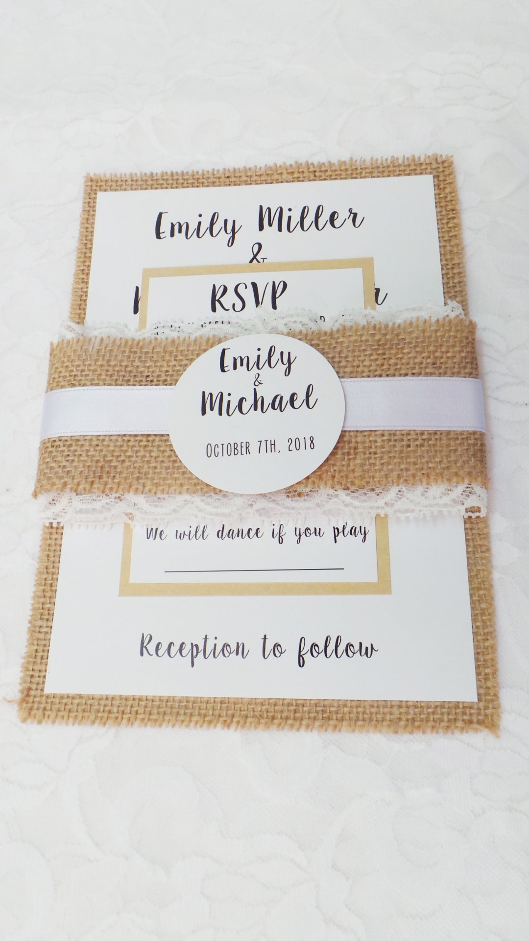 100 Wedding Invitations Rustic Country Style Burlap Lace Belly Band + Envelopes + Response Cards Set