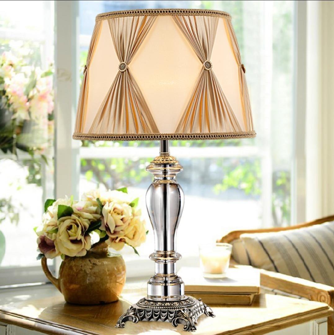 High-End-Luxus-Kristall Tischlampe Schlafzimmer Nachttischlampe modernen minimalistische Mode Ehe Raum dekorative Tischlampen (ohne Lichtquelle)