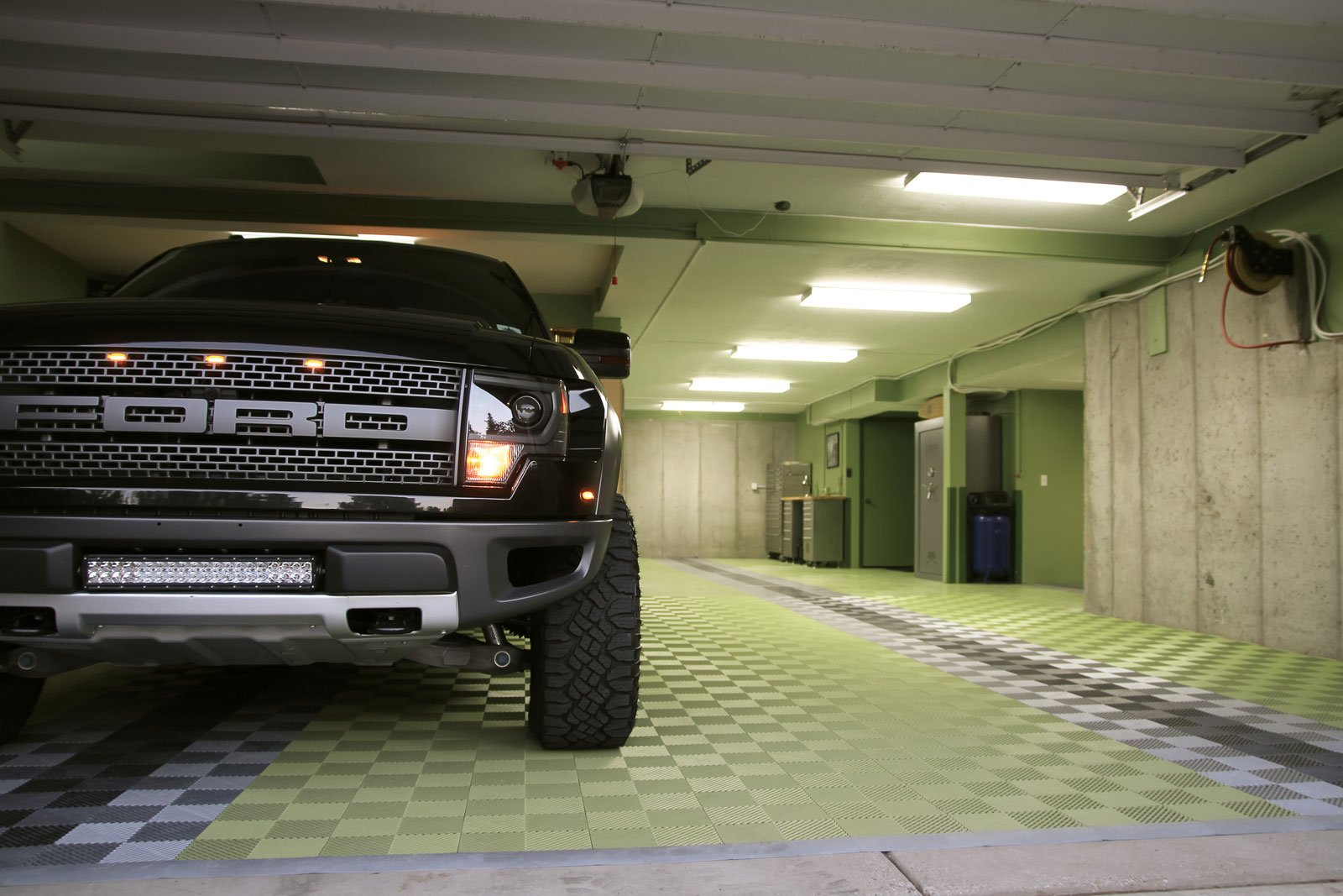 RaceDeck Free-Flow Open Rib Design, Durable Interlocking Modular Garage Flooring Tile (48 Pack), Graphite by RaceDeck (Image #10)