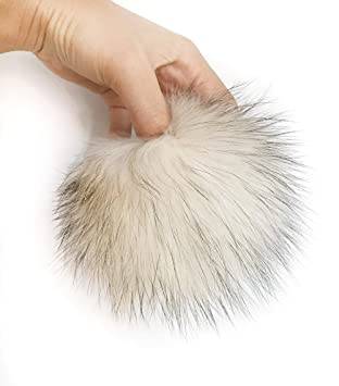 e438e4638ef7 5 quot  Real Raccoon Fur Pom Pom with Button for Knitted Fur Hat Beanie  Hats (