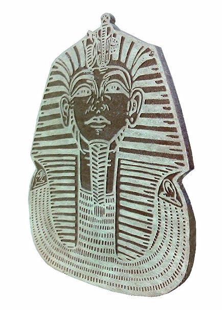 Grabado en piedra, mascara del rey Tutankamon