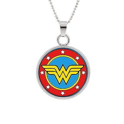 Amazon.com: Wonder Woman Logo collar colgante películas en ...