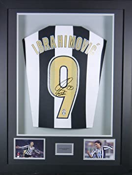 new arrival ebd78 8f16d Zlatan Ibrahimovic Juventus Signed Shirt 3D Framed Display ...
