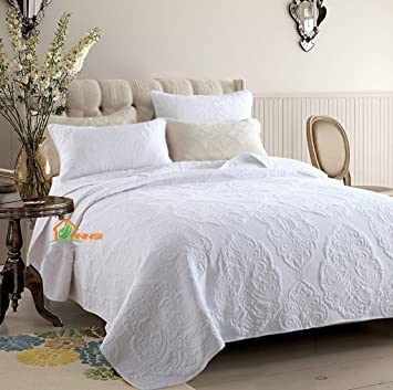 Amazon Com Hhnsi 3 Pieces White Vintage Flora Quilt Comforter