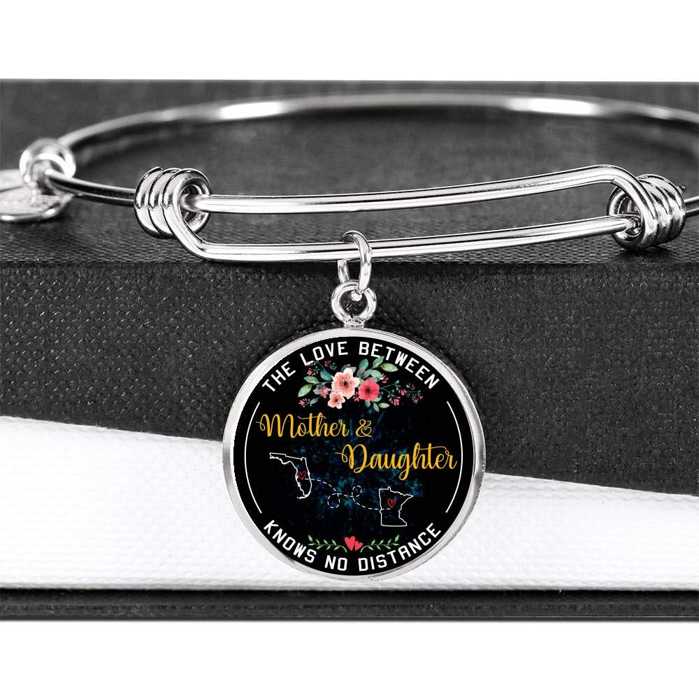 HusbandAndWife Mom Gifts from Daughter Necklace Bangle Bracelet The Love Between Mother /& Daughter Knows No Distance Florida FL State and Minnesota MN State Funny Necklace Name Jewelry
