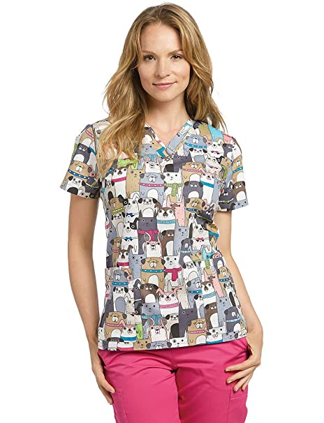 004e9f6d7a0 Oasis Allure White Cross Women's V-Neck Dog Print Scrub Top: Amazon.ca:  Clothing & Accessories
