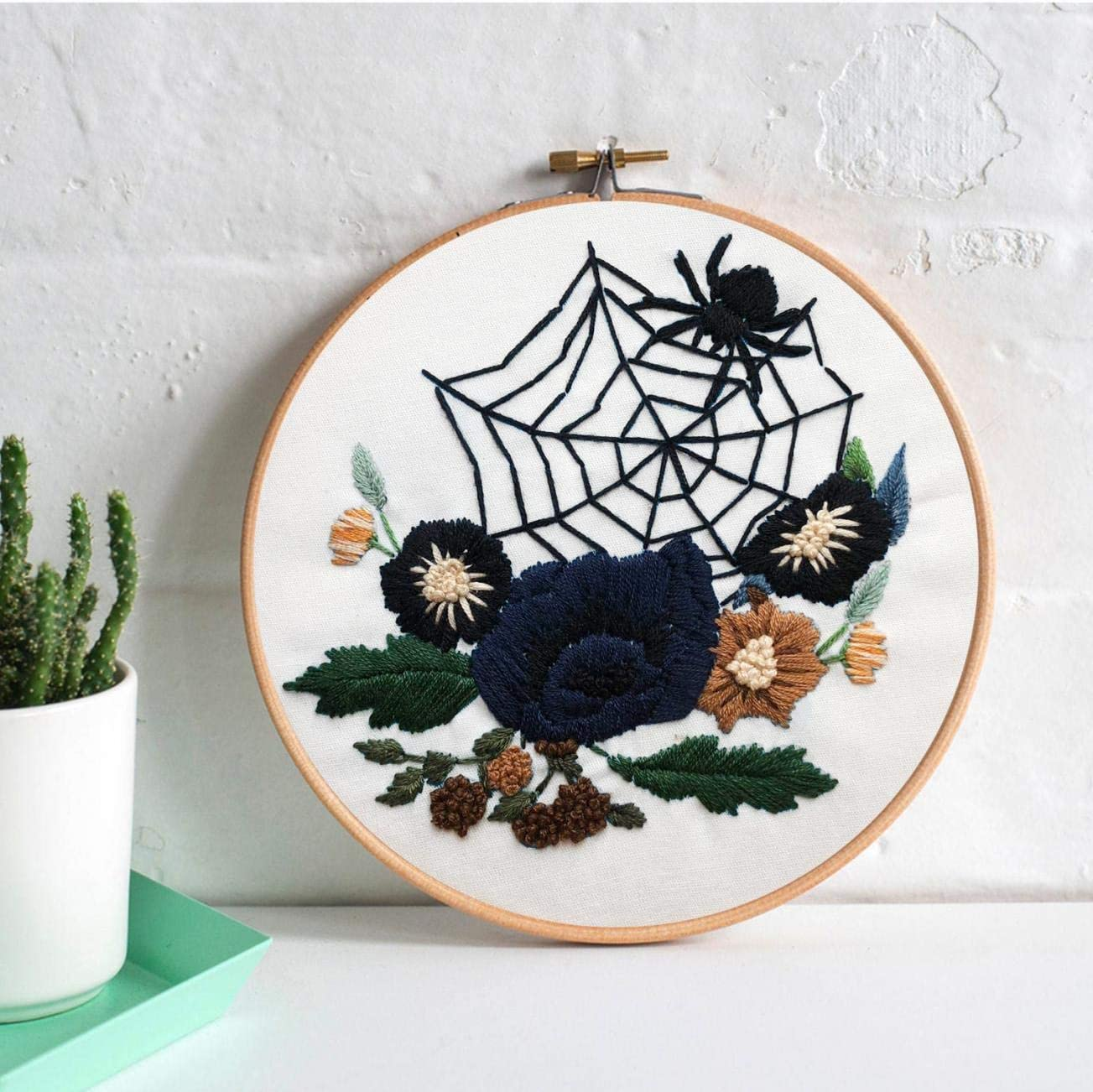 Nuberlic Halloween Embroidery Kit Adults Cross Stitch Kit for Beginners Crafts Stamped Pattern Hand Embroidery Hoops Floss Thread Needles