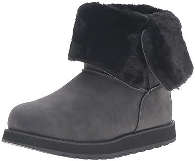 Skechers Women s Keepsakes Leatherette Mid Button Winter Boot Black 5