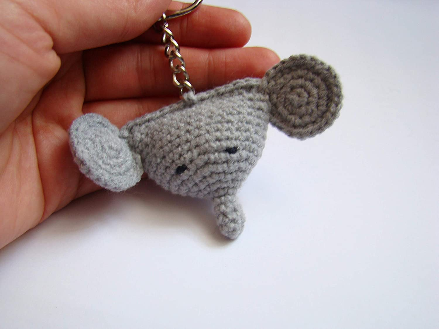 Crochet an adorable Amigurumi Elephant Keychain with this free ... | 1125x1500