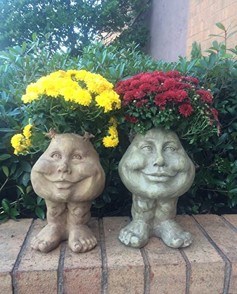Muggly's Homestyles 37395 Sisters Daisy and Suzy Q 12″ Face Planter Stone Wash Garden Statue