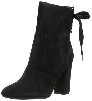 891939bea Amazon.com  Tommy Hilfiger Women s Divah Fashion Boot  Shoes