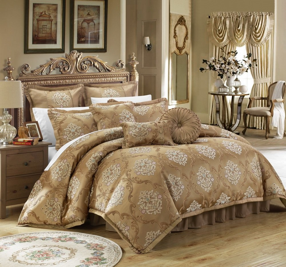 Jacquard Scroll Fabric Bedroom Comforter Set & Pillows Ensemble, King, Gold