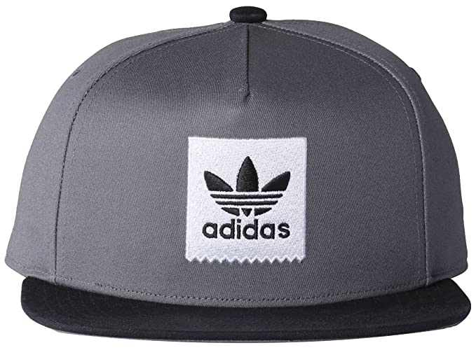 c7ebd64b396 Amazon.com  adidas Two-Tone Trefoil Snapback  Sports   Outdoors