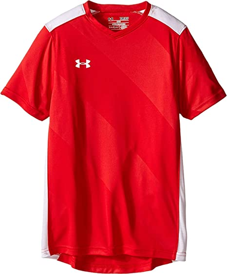 7370236684b Amazon.com   Under Armour Boys  Fixture Soccer Jersey   Clothing