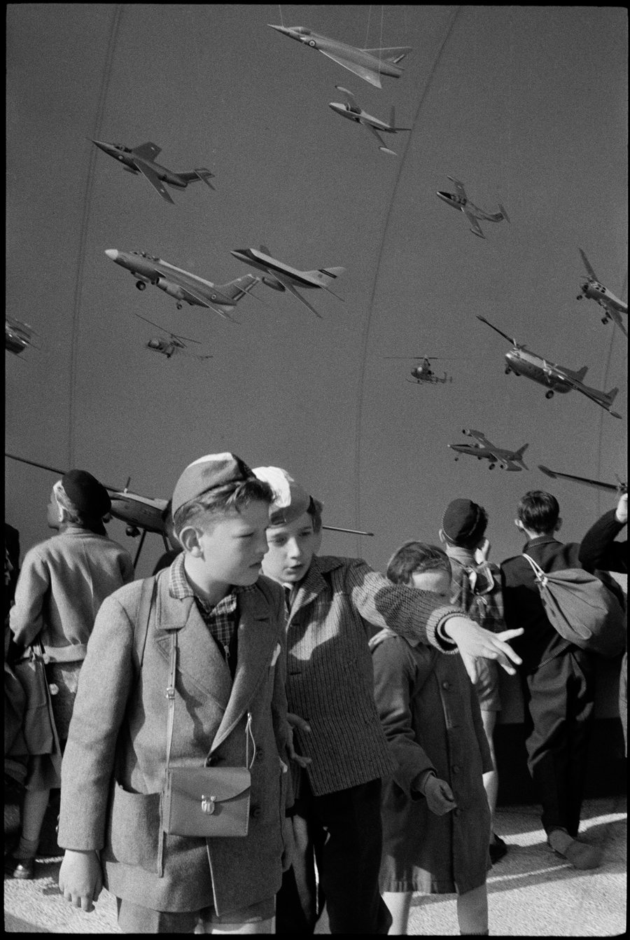 Très Amazon.com: Henri Cartier-Bresson: The Modern Century  BM19