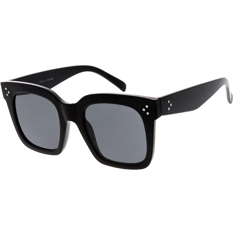 2b44a6bda1c Amazon.com  zeroUV - Bold Flat Lens Oversized Square Frame Horn Rimmed  Sunglasses 50mm (Shiny Black Smoke)  Clothing