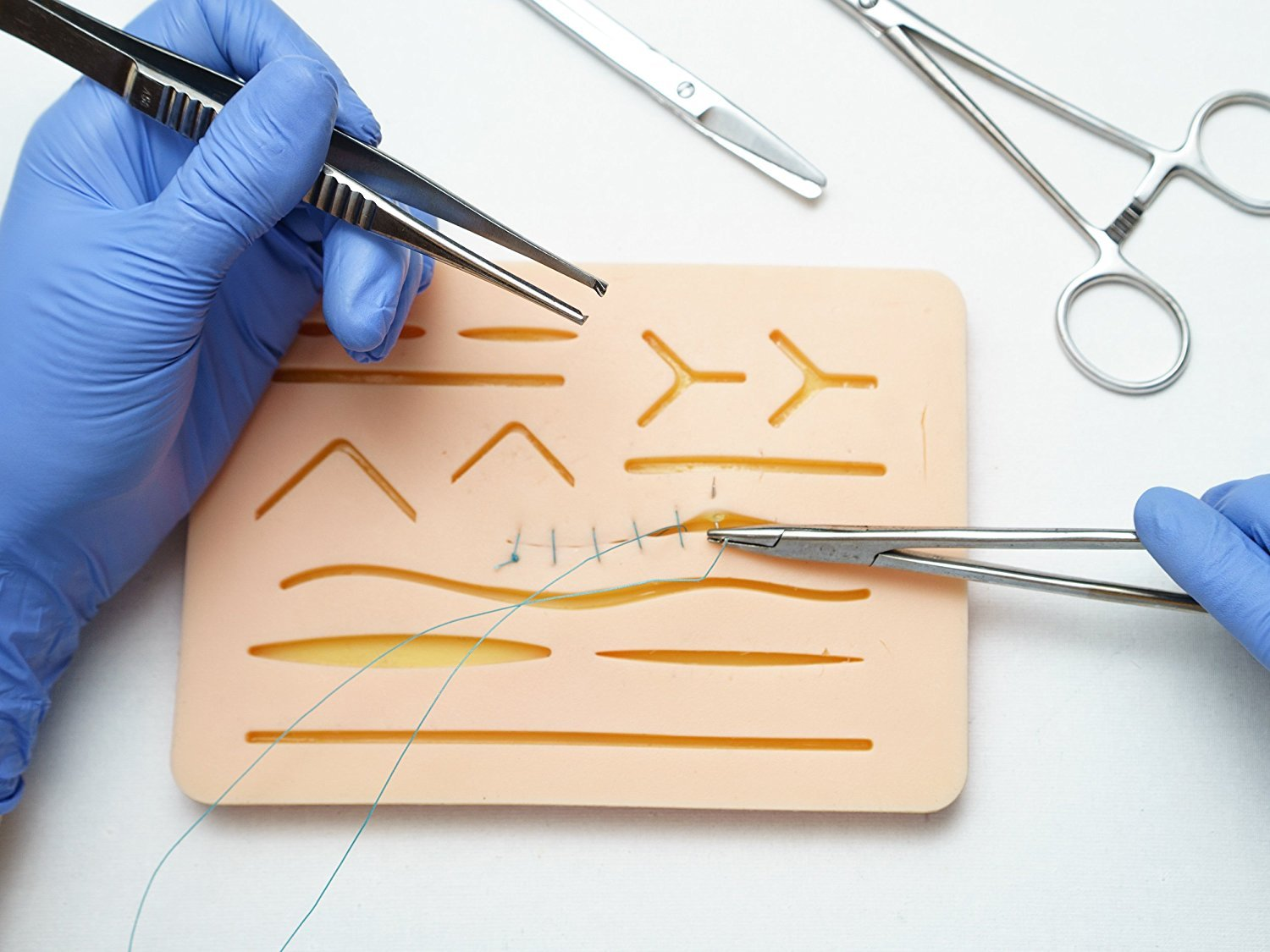 Kenley Suture Pad - Suture Kit for Medical Training & Practice Suturing - 3 Layers Replicate Human Skin, Fat & Muscle - 11 Incisions & Wounds - 7.25'' x 5.25'' - Ideal for Teaching Students Vet Doctors