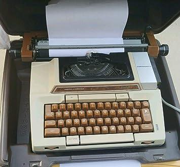 Vintage Typewriter Coronamatic 2200 Electric With Case **REDUCED**