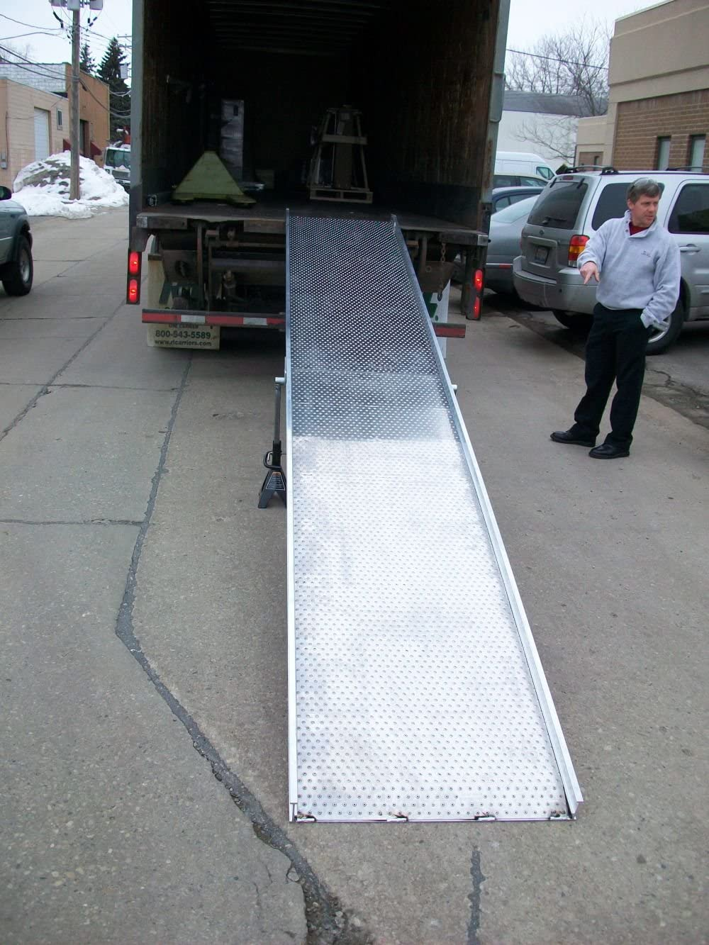Handi-Ramp Portable Delivery Truck Tractor Trailer Ramp 12ft x 24 750lb Capacity