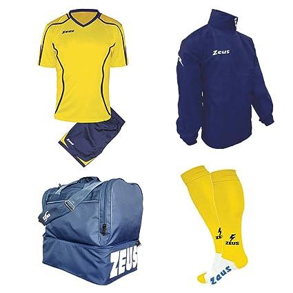 ae7598b09397 Zeus Kit Calcio FAUNO Calza + Borsone E K-Way Calcetto Allenamento  Completino Borsa Impermeabile: Amazon.it: Sport e tempo libero