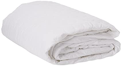c1b1db5135 Amazon.com: Remedy Bed Bug Dust Mite Cotton Mattress Protector, Twin ...