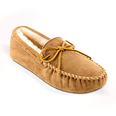 Minnetonka Men's Sheepskin Softsole Moccasin Slippers | Slippers
