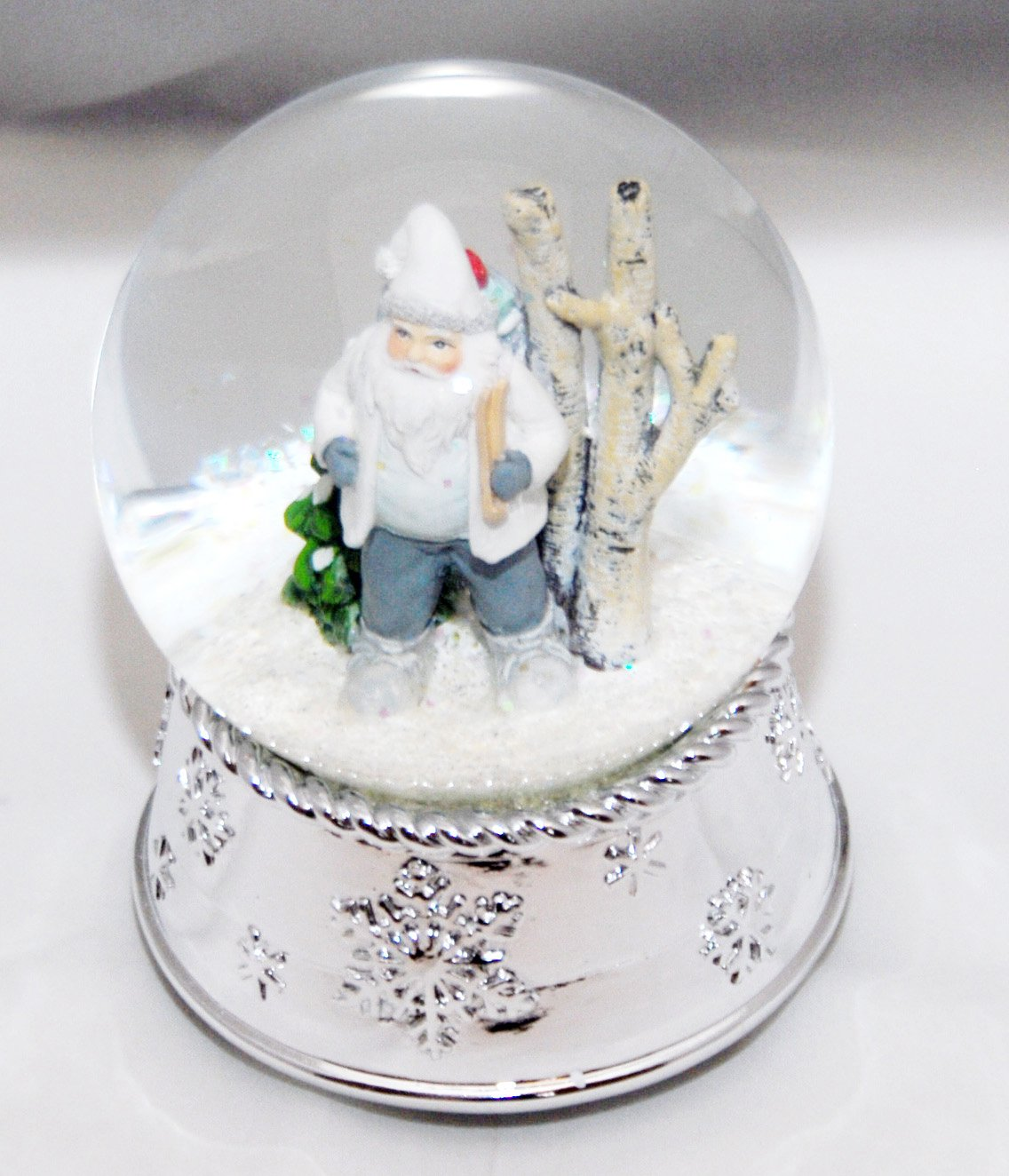 20073 Snow Globe Santa white in nostalgic wood silver base snowflake music box 5.5 inch height by Minium-Collection (Image #2)