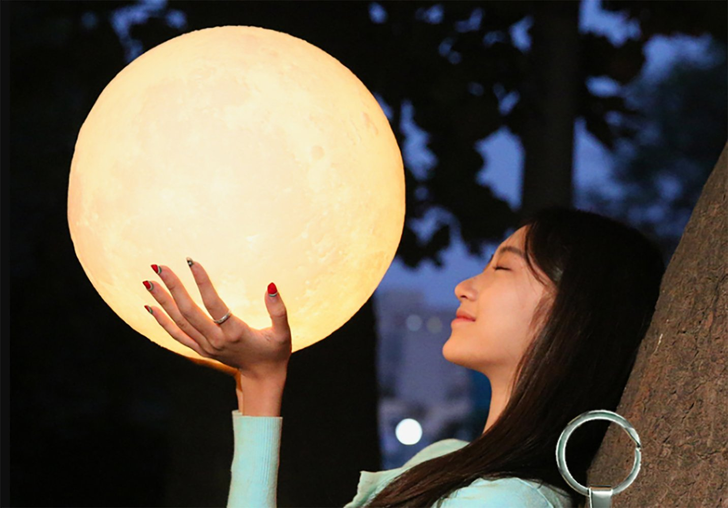 3D LED Lunar Moon Night Light Lamp Touch Control Warm/Cool Color USB Charging Moon Lantern With Wood Holder Home Decor 7.09inch