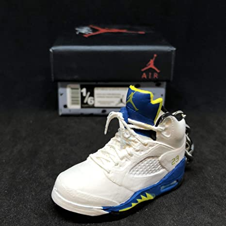buy popular d4278 c33fb Amazon.com : Air Jordan V 5 Retro Laney Royal Blue OG ...