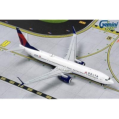 GeminiJets GJDAL1807 1:400 Delta Air Lines Boeing 737-900ER: Toys & Games