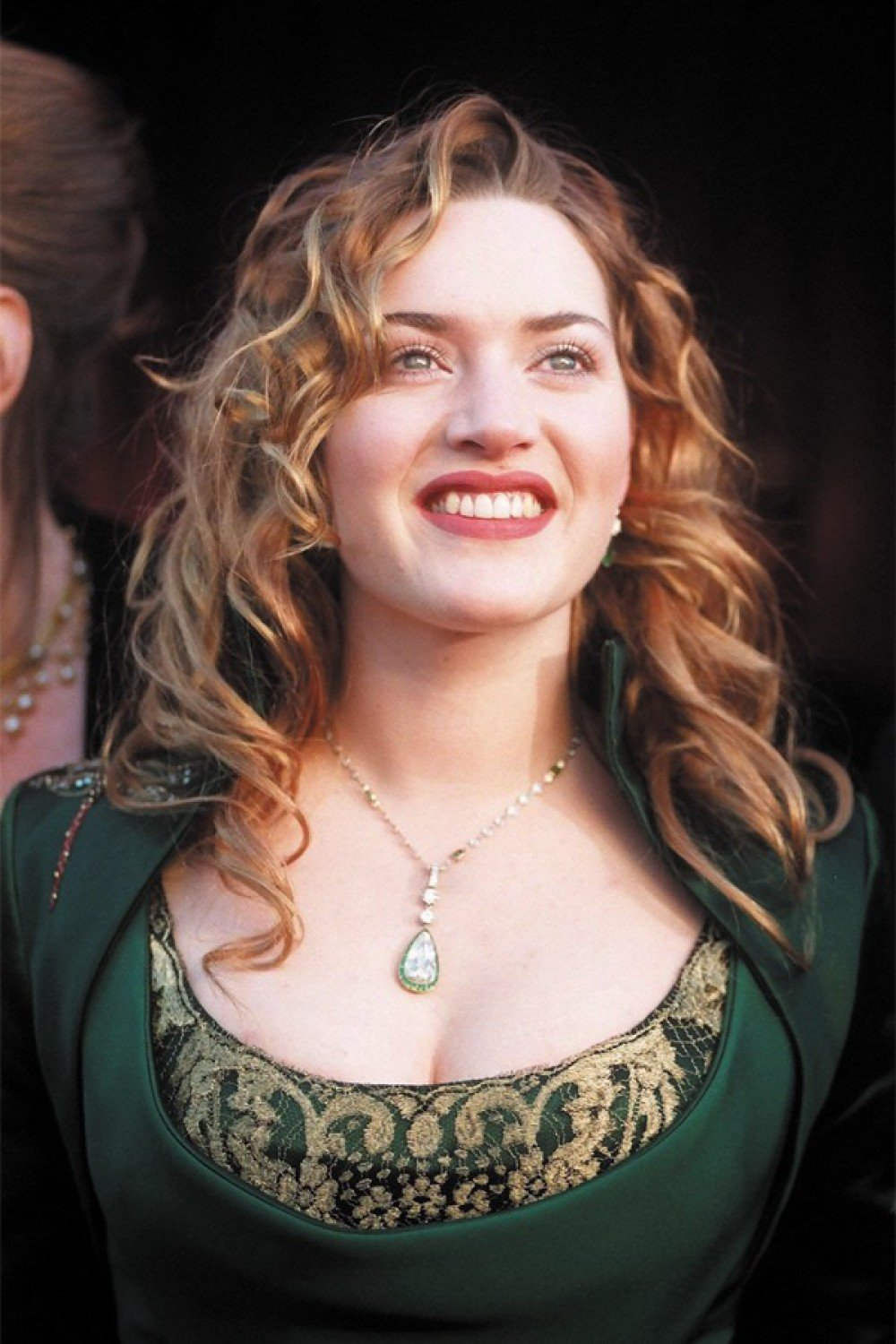 PK Arts English Actress Kate Winslet Wall Poster 12 x 18 inch HD Quality  Material - Gloss Paper Unframed Qty 1.: Amazon.in: Home & Kitchen