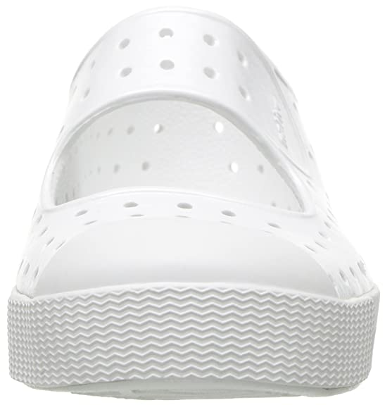 Amazon.com: native kids Girls enebro brillante plana: Shoes
