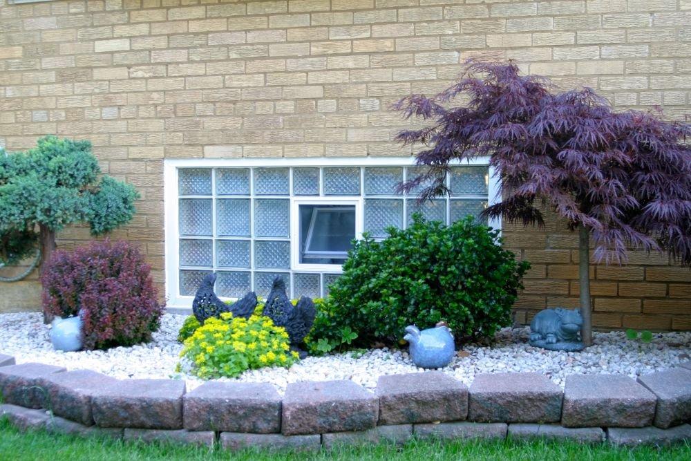 Fen/être basculante pour linstallation dans un mur de briques de verre au lieu de deux brique de verre 19x19x8cm vertical